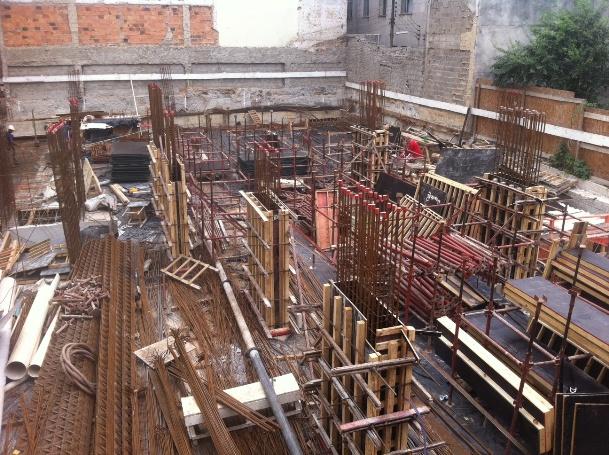 Montagem de Torre de Escoramento da Laje do Térreo 1ª parte - 26/09/14