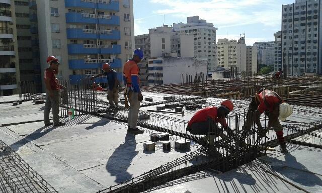 Assoalho e Montagem das vigas da Laje do 4º Tipo 25/02/15