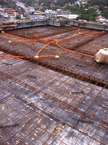 Concretagem das paredes e teto da caixa d'água - Bloco 02 Set/16
