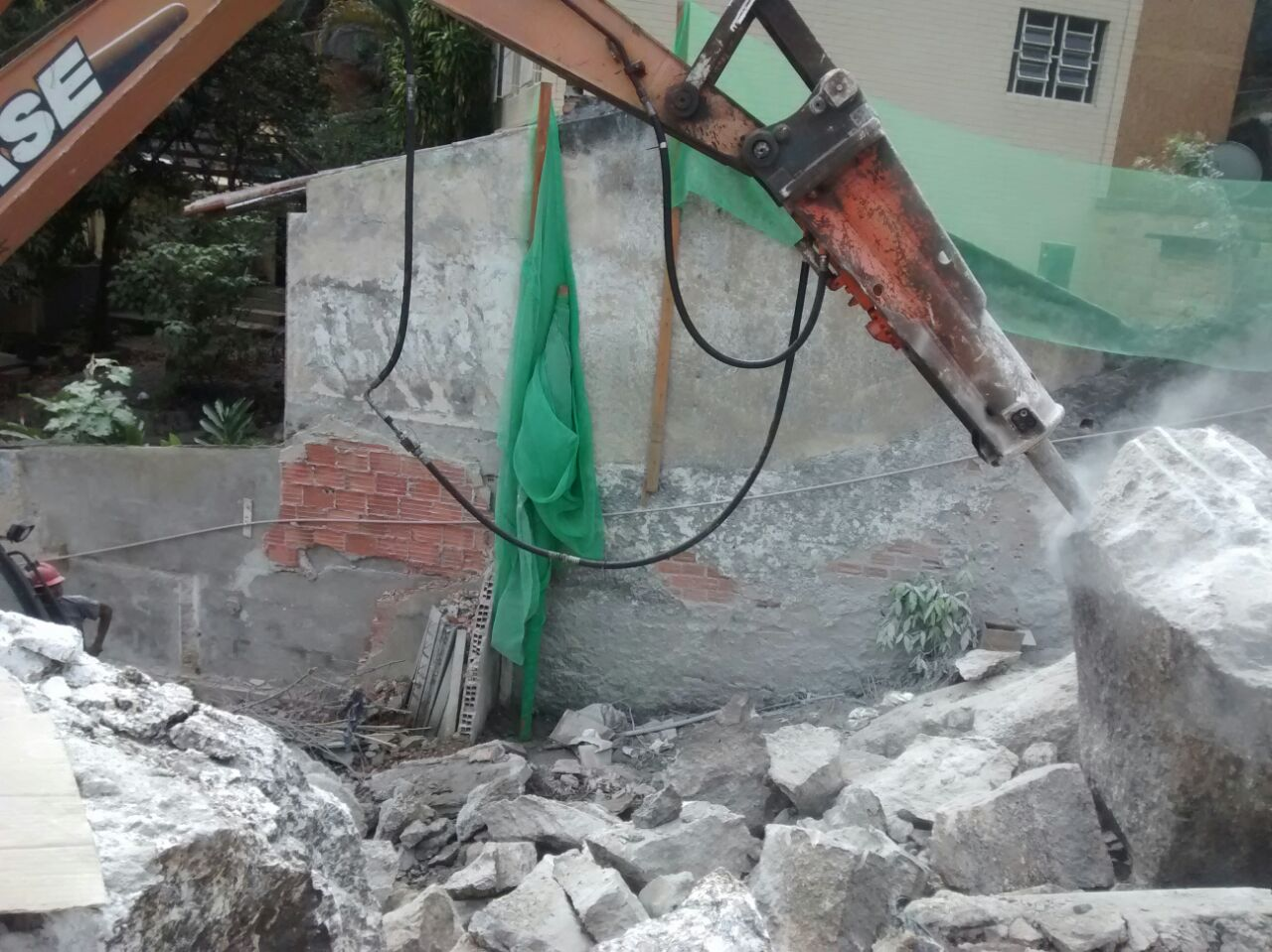 Desmonte de Rocha - Setembro/2014